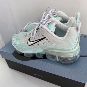 Bran new Nike Air VaporMax 360 Sneaker